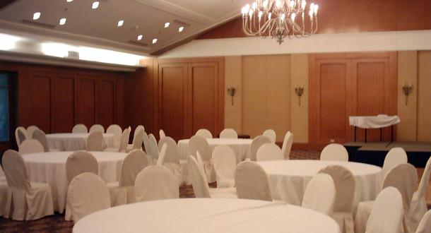 Noleggio tavoli e sedie per eventi feste e manifestazioni - Noleggio tavoli e sedie per feste catania ...